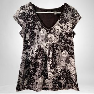 New York & Company Black & White Floral Top